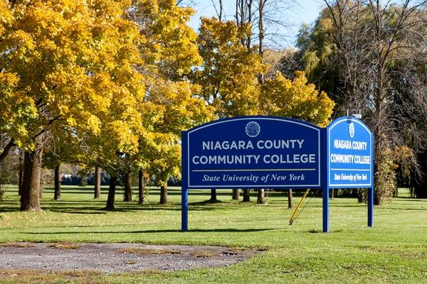 Niagara County Erie County Sign Company NYS WBE Appleton Barker Burt Gasport Lewiston Lockport Middleport Newfane Niagara Falls North Tonawanda Olcott Ransomville Sanborn Wilson Education Exterior Signs New York State Colleges