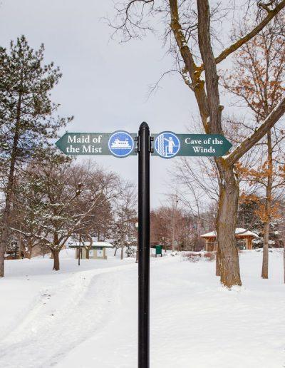 Wayfinding Niagara Falls State Park aluminum Digitally Printed grafitti proof Pole Sign EX-Non Illuminated EX-Post and Panel